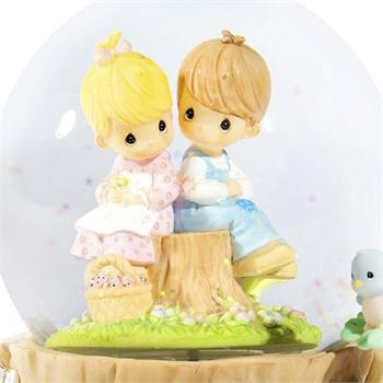 乐嘉 宝贝时光水滴娃娃 男女坐树桩心形相框 水晶球音乐盒 lj-zy8028d