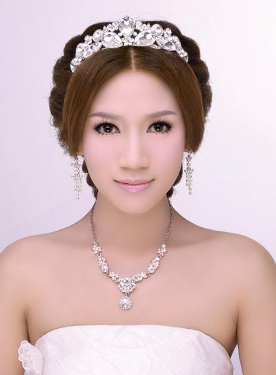 韩式新娘发型  鲜花新娘发型